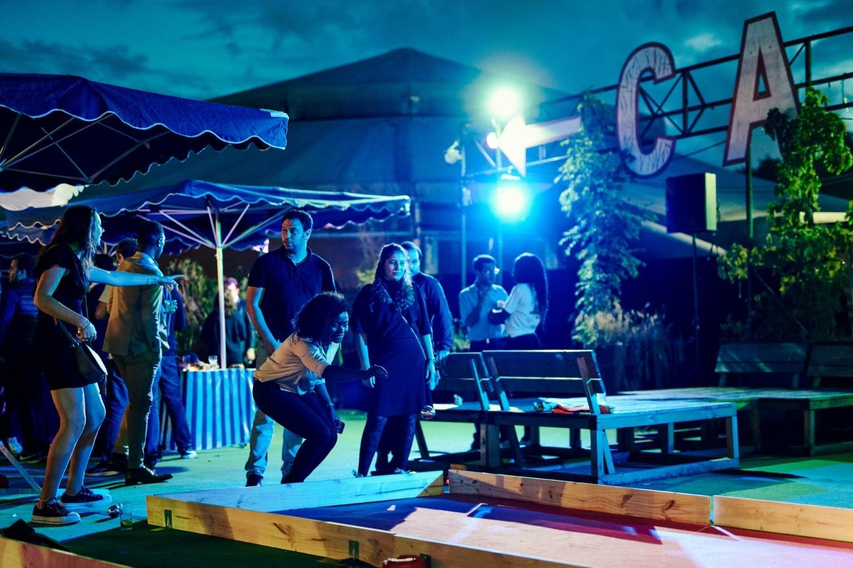 Soirée d'entreprise au cabaret sauvage à Paris