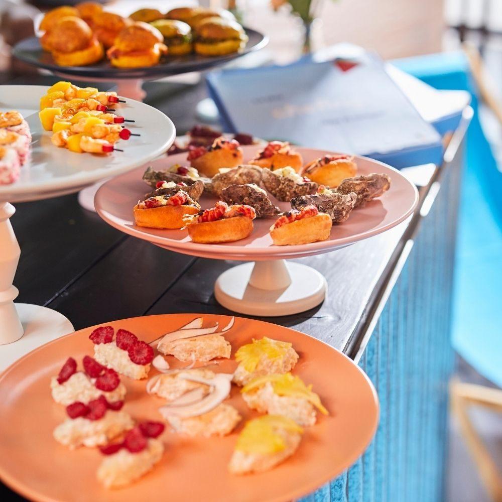 cocktail déjeunatoire d'été avec pièces cocktail originales